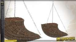 Cache-pot décoratif en osier brut avec chaînettes de suspension