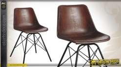 Chaise en métal de style rétro finition cuir patiné