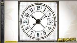 Horloge murle en métal de forme carrée finition vieillie