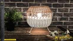 Lampe de table de style scandinave, en osier blanc et naturel sur pieds en métal