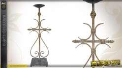 Chandelier en métal vieilli de style ancien