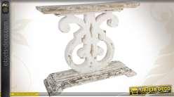 Console de style réalisée en bois et patinée finition ancienne