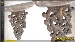 Console murale en bois sculpté et patiné