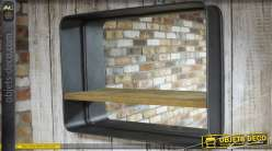 Miroir mural de style industriel avec tag re for Deco avec miroir mural
