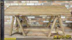 Grande table en bois massif finition naturelle