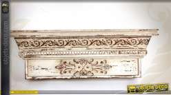 Etagère Murale Bois De Style Vieilli Coloris Blanc Effet Sculpté 59 Cm