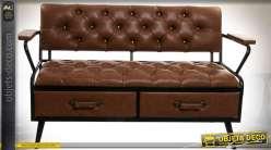Canapé original vintage et industriel finition capitonnée