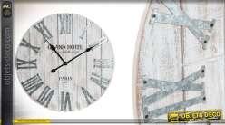 Horloge en bois effet blanchi et métal gris de style industriel 60 cm