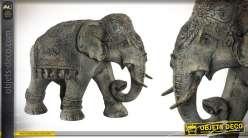 Grande représentation d'un éléphant en résine 83 cm