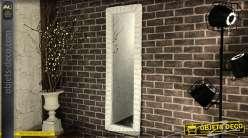 Grand miroir vertical avec en cadrement en osier clair 133 cm