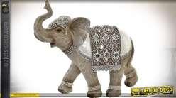 Statuette d'éléphant indien avec harnachement d'apparat 26 cm