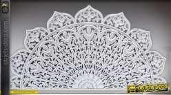 Tête de lit en bois sculpté de style oriental patine blanche à l'ancienne 180 x 90 cm