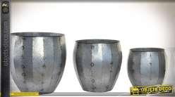 Série de 3 cache-pots en métal finition zinc ancien Ø 35,5 cm
