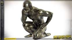 Statuette athlète agenouillé imitation bronze vieilli 29 cm