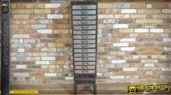 Meuble colonne à 17 tiroirs en métal argenté et parois grillagées 138 cm