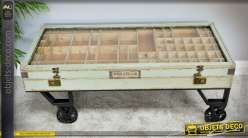 Table basse vitrine ancienne sur roues façon wagonnet indus et rétro bois et métal