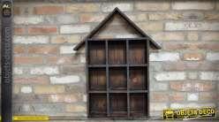Etagère murale compartimentée en bois en forme de maisonnette 77 cm