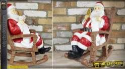 Statuette en résine Père-Noël dans son fauteuil à bascule en bois 55 cm