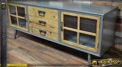 Buffet rétro chic avec 2 portes vitrées et 3 tiroirs patine grise et bois naturel 140 cm