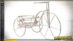 Tricycle porte-plantes en métal laqué blanc cassé vieilli 54 cm