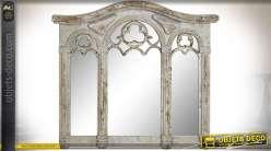 Miroir mural en triptyque de style gothique patine blanche vieillie 85 cm