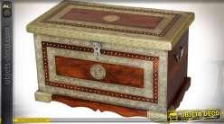Grand coffre en manguier et laiton doré style rétro 76 cm