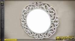Miroir de style rétro et baroque en bois sculpté ajouré patine blanche vieillie Ø 60 cm