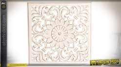 Panneau déco murale blanche en bois sculpté et ajouré motif fleurs stylisées