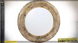 Miroir oriental en métal doré, façonné et vieilli, forme ronde Ø 70 cm