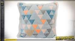 Coussin effet vieilli en tissu polyester avec motifs en triangles colorés 45 x 45 cm