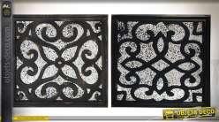 Duo de décorations murales en bois à motifs ajourés effet vieilli 60 x 60 cm