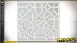 Grand miroir mural blanc carré 90 x 90 cm avec ornementations géométriques