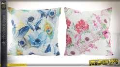 Duo de coussins 45 x 45 de style romantique motifs fleuris coloris bleu et rose