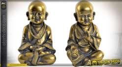 Duo de statuettes de moines bouddhistes imitation métal doré vieilli 22 cm