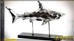 Statuette animalière sur socle : requin stylisé finitioin métal argenté 54 cm