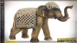 Statuette décorative d'éléphant indien harnarché patine dorée et miroirs 46 cm