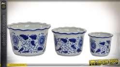 Série de 3 cache-pots de charme et rétro en porcelaine blanche à motifs bleus