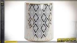 Bout de canapé précieux en porcelaine à motifs géométriques 45 cm