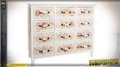 Commode à 12 tiroirs bois blanchi à motifs géométriques sculptés