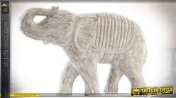 Statuette d'éléphant sculptée sur bois, finition aspect vieilli et blanchi 50 cm