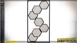 Miroir déco murale de style design encadrement métal miroirs hexagonaux 50 cm