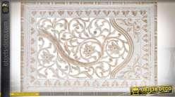 Fresque murale en bois sculpté et ajouré à motifs de fleurs et feuillages 90 x 60 cm