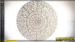 Grande fresque circulaire en bois sculpté patine blanche ivoire Ø 120 cm