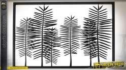 Encadrement en métal avec plantes et feuillages en ombres patine noire 116 cm