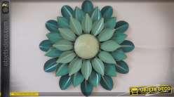Grande fleur en métal et en relief teintes verte menthe Ø 81 cm