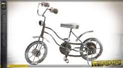 Objet décoratif en forme de vélo d'enfant en bois et métal effet vieilli 28 cm