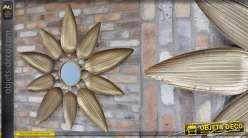 Miroir/fresque murale en forme de soleil, encadrement style feuilles, finitions doré ancien 115cm