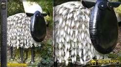 Animal décoratif : mouton stylisé en fer forgé
