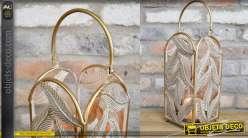Petite lanterne en métal finition doré, motifs de feuilles pour diffusion suave de la lumière 42cm