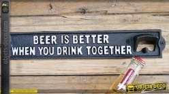 Décapsuleur mural en fonte : la bière est meilleure quand on boit ensemble, 35cm